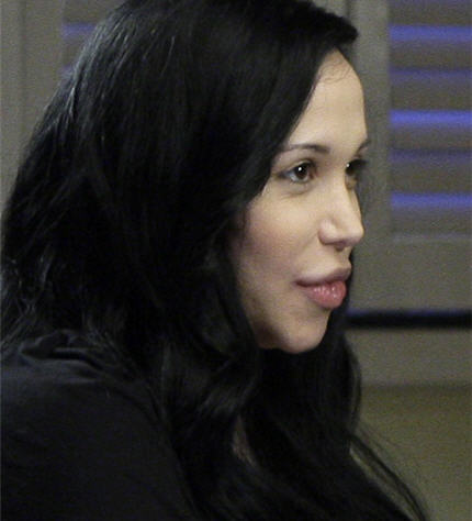 http://playhappy.files.wordpress.com/2009/03/octomom-nadya-suleman.jpg