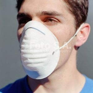guy-in-flu-mask